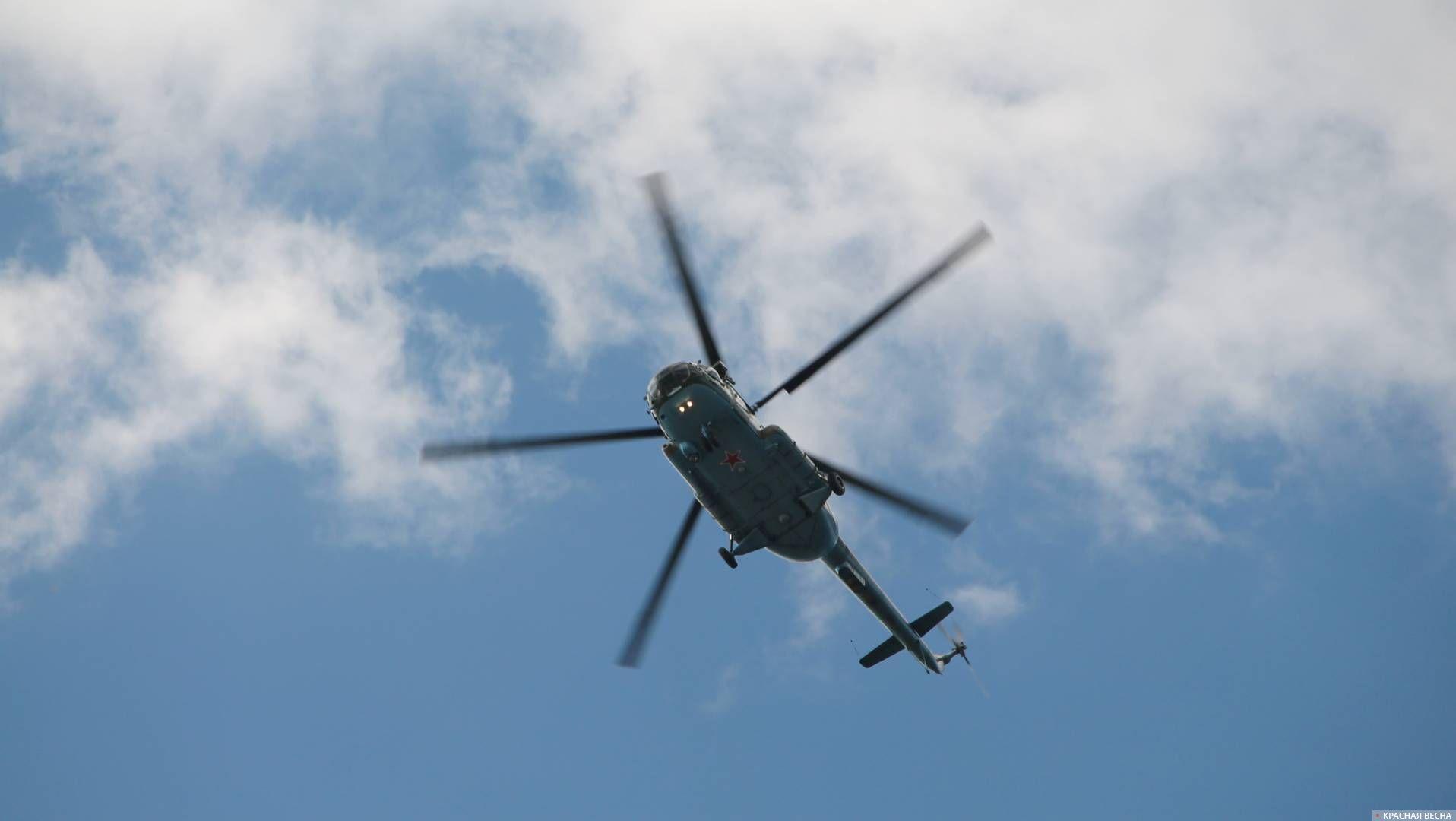 Вертолет Ми-8. В полете