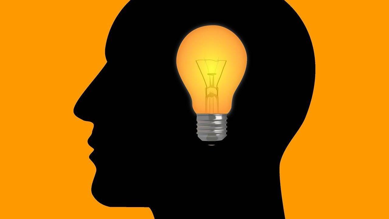 Голова с лампочкой картинки