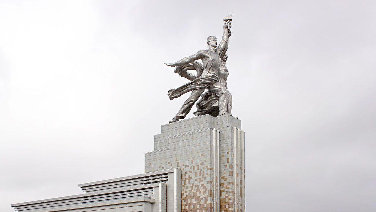 В.И. Мухина. Монумент «Рабочий и Колхозница». 1939 г.