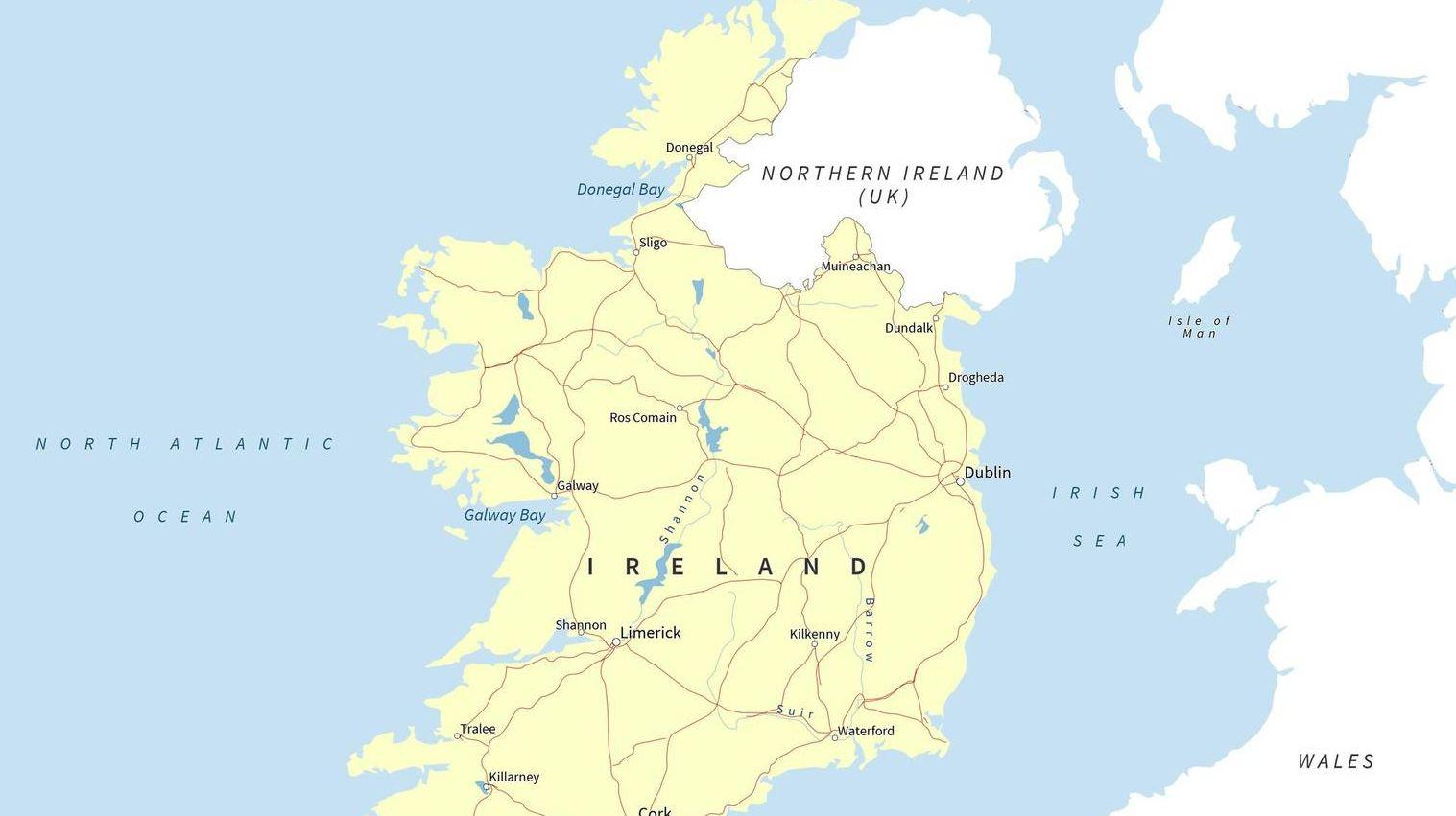 ирландия на карте мира фото краска металлу
