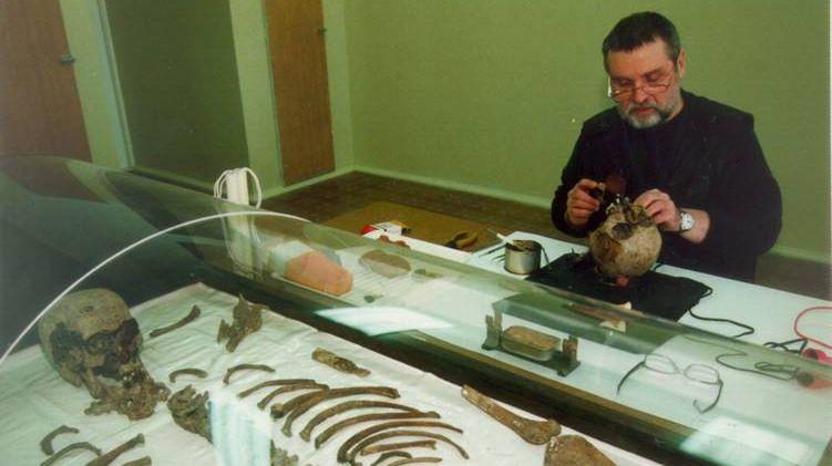 Изучение останков в отделе медико-биологических исследований УОЭКД ГУК Следственного комитета Российской Федерации