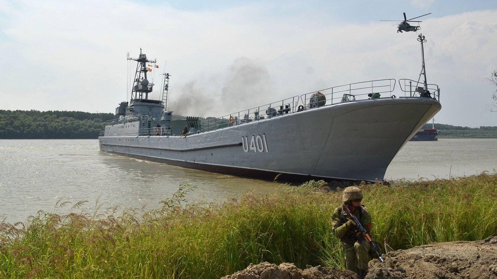 Десантный корабль «Юрий Олефиренко» на учениях в Одесской области