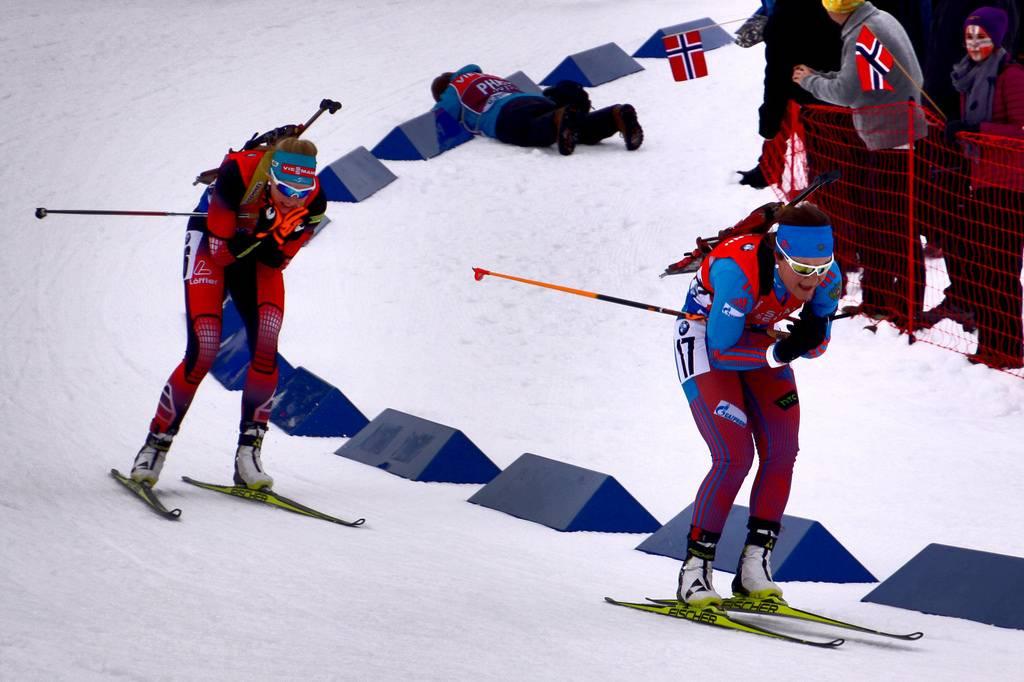 Екатерина Юрлова-Перхт в гонке (на первом плане)