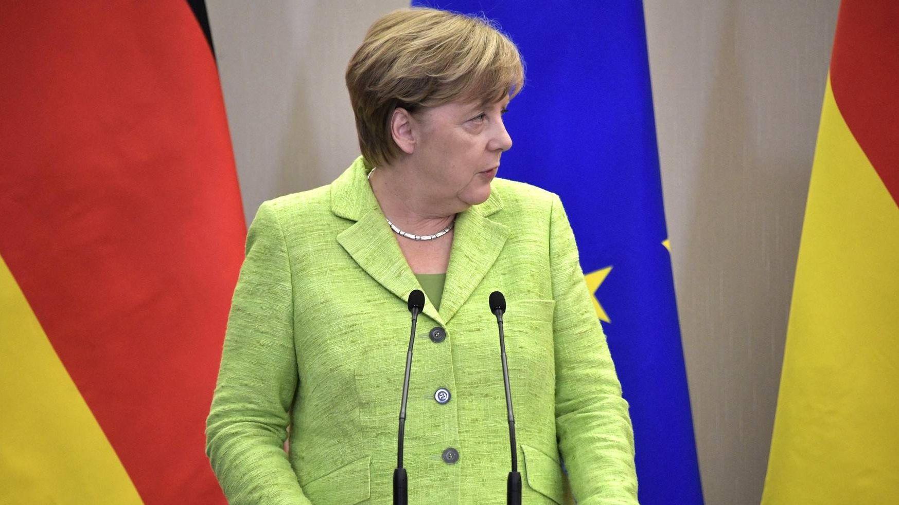 Меркель обеспокоена наряженной обстановкой наДонбассе