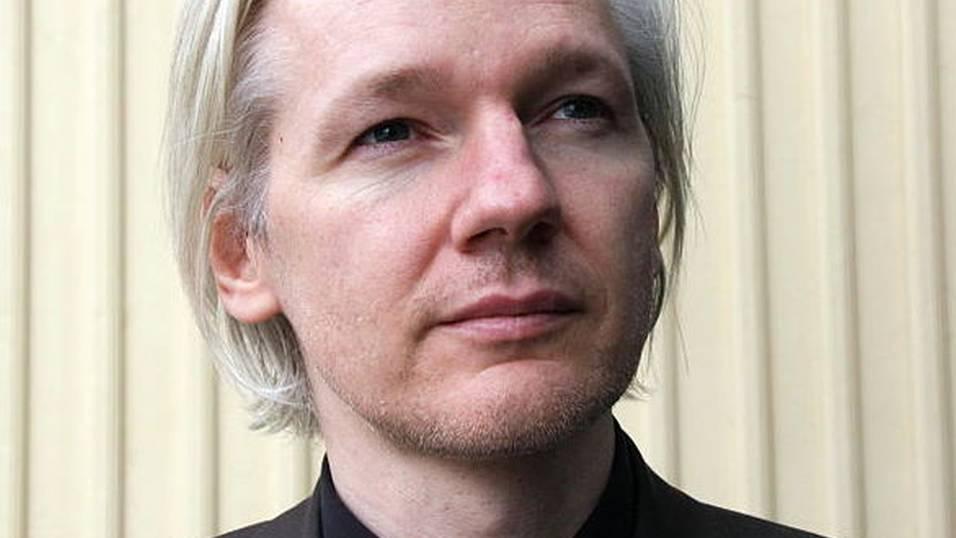 julian assange - 2 дня