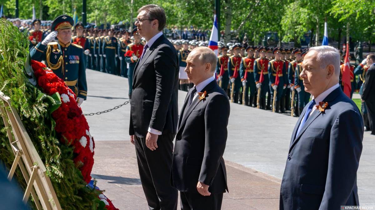 Владимир Путин у Могилы Неизвестного Солдата