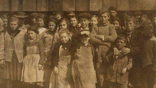 Бесправный низкооплачиваемый труд детей. Фабрика в XIX веке