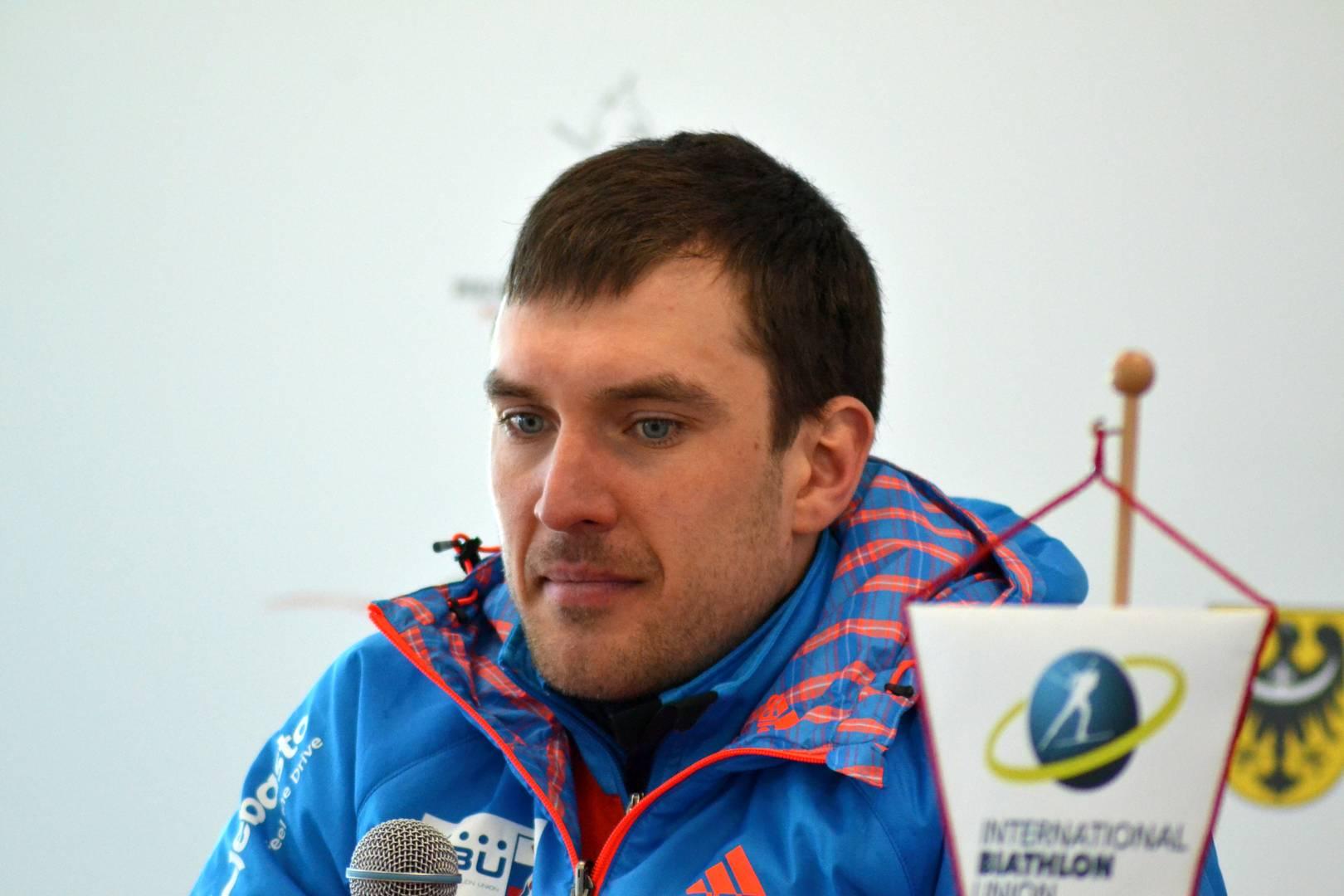 Евгений Гараничев дает интервью