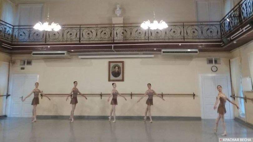 Открытый урок классического танца с ученицами Академии русского балета им. А.Я.Вагановой