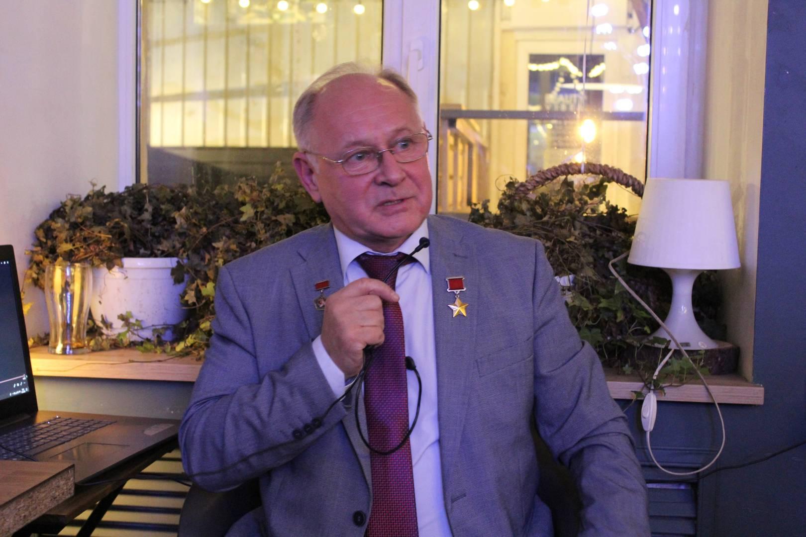 Анатолий Арцебарский