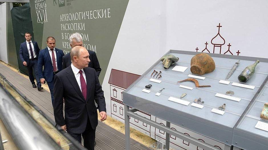 На месте археологических раскопок на территории Московского Кремля