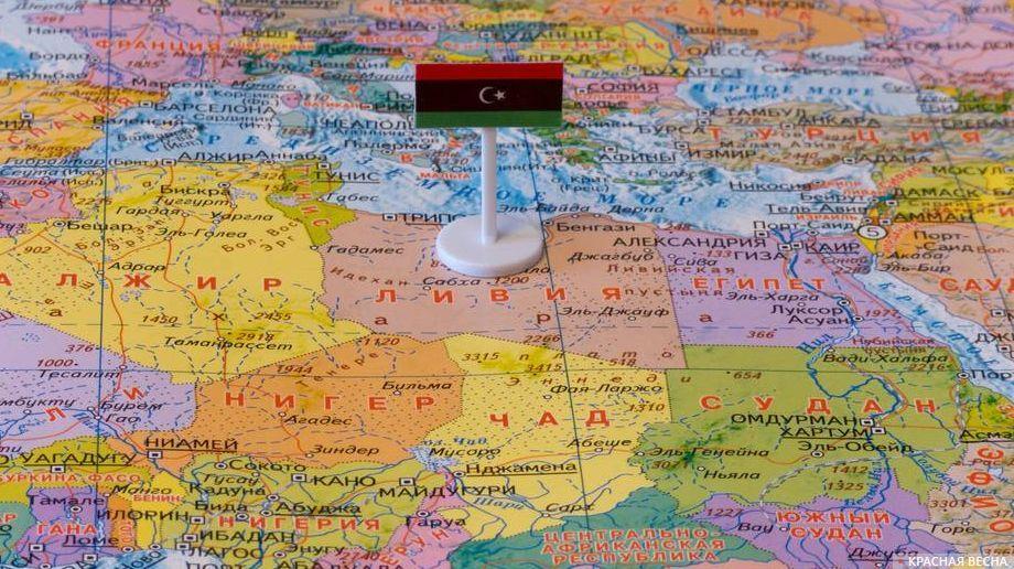Ливия с флагом на карте мира