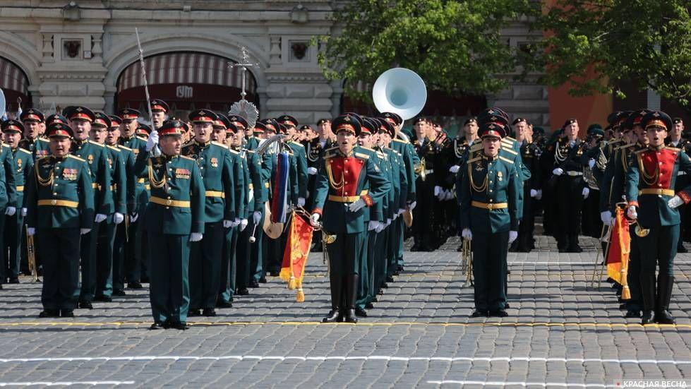 Военный оркестр на Параде Победы