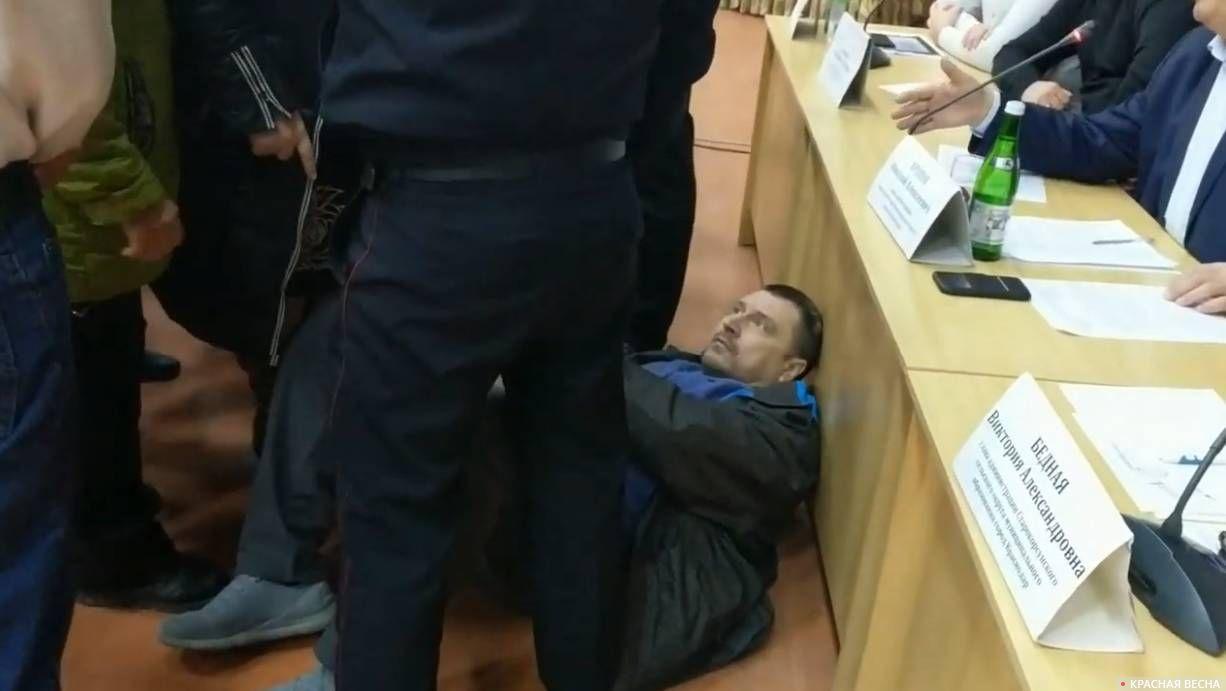 Нападение на участника протеста в ст. Старокорсунская
