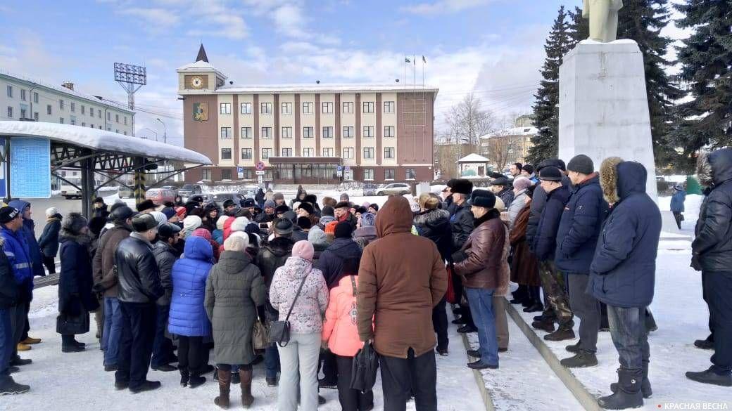 Несанкционированный митинг против мусорной реформы. Первоуральск