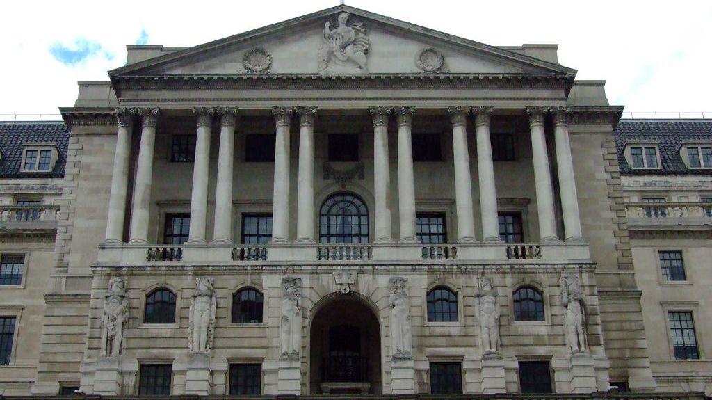 Центральный Банк Англии  хочет  сделать  собственный пообразу иподобию  биткоина