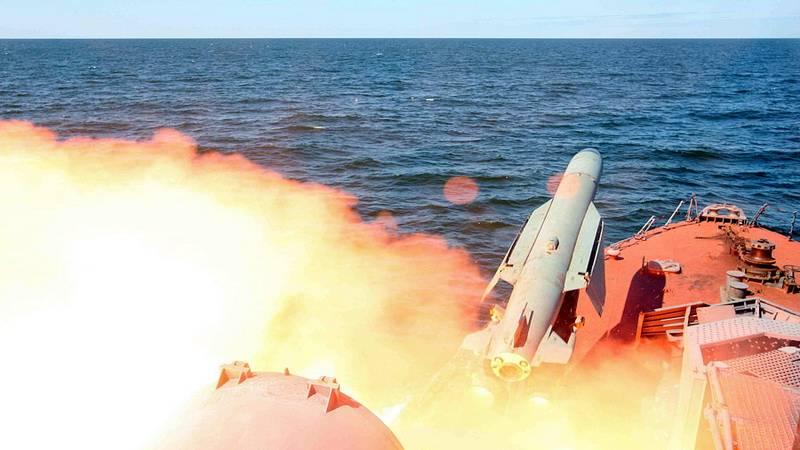 Пуск крылатых ракет «Малахит» и «Термит»