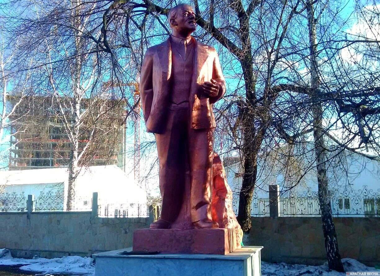 Памятник Ленину - завод ЭМА, Екатеринбург