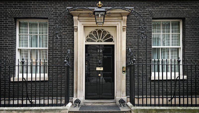 Тереза Мэй провела перестановки в руководстве Англии