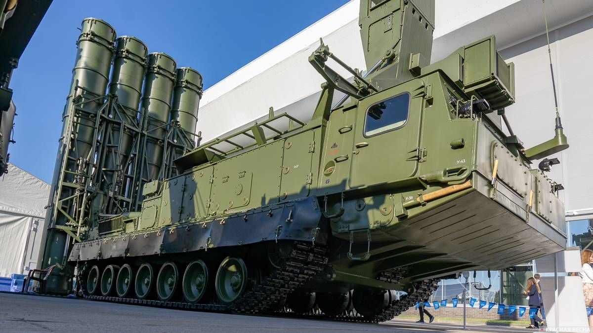 Зенитная ракетная система С-300ВМ «Антей-2500»