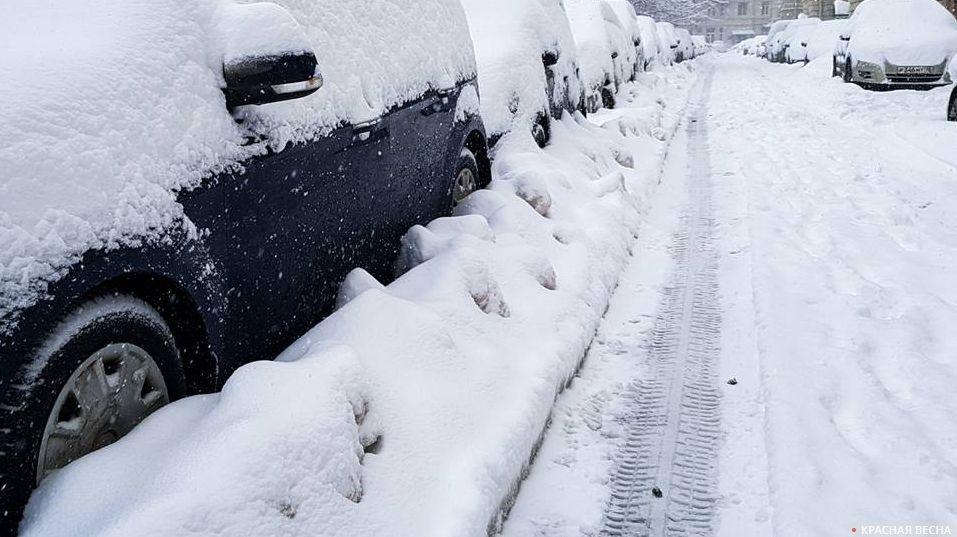 Практически  100 военнослужащих задействованы вликвидации последствий сильного снегопада встоличном регионе