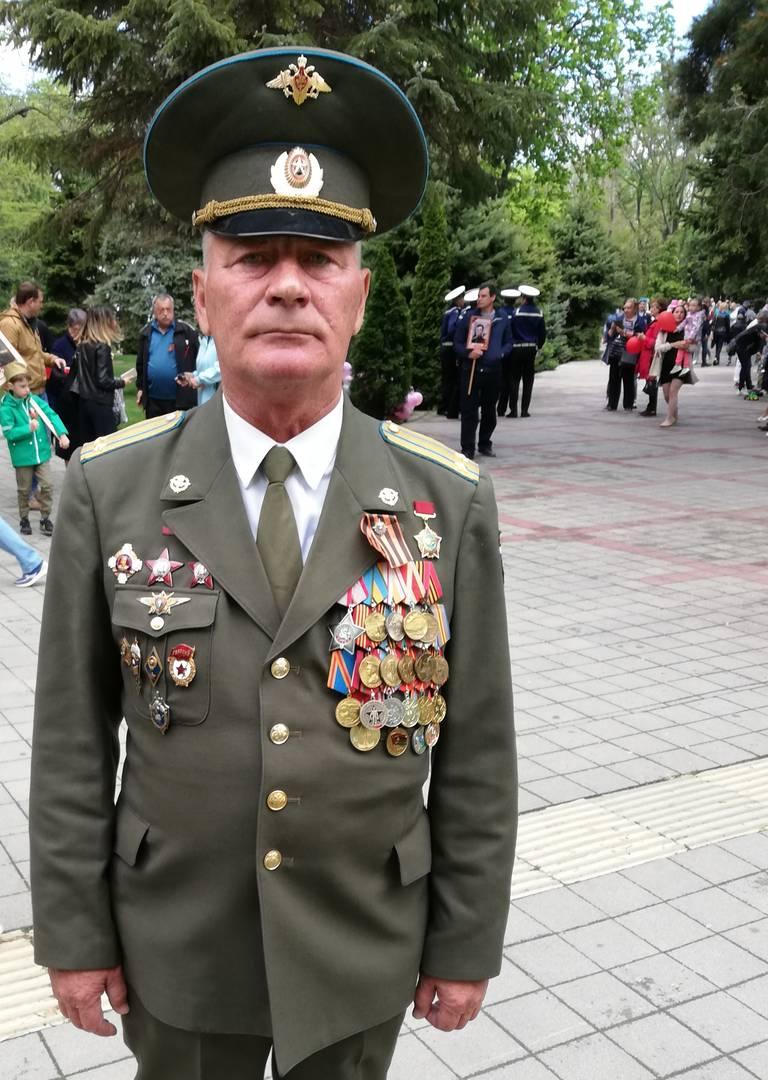 Анапа, Краснодарский край. Военный на праздновании Дня Победы