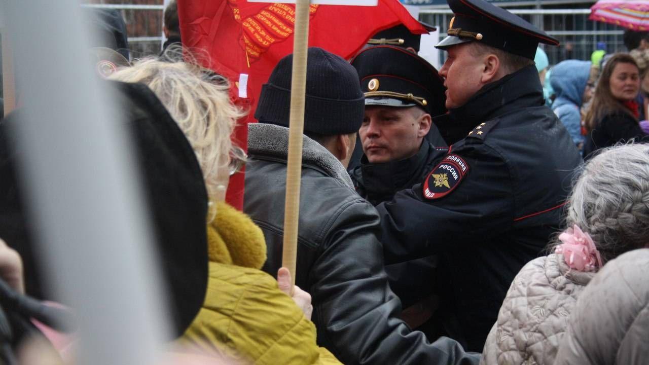 Пермская полиция не исключила запрета Знамени Победы на 9 мая
