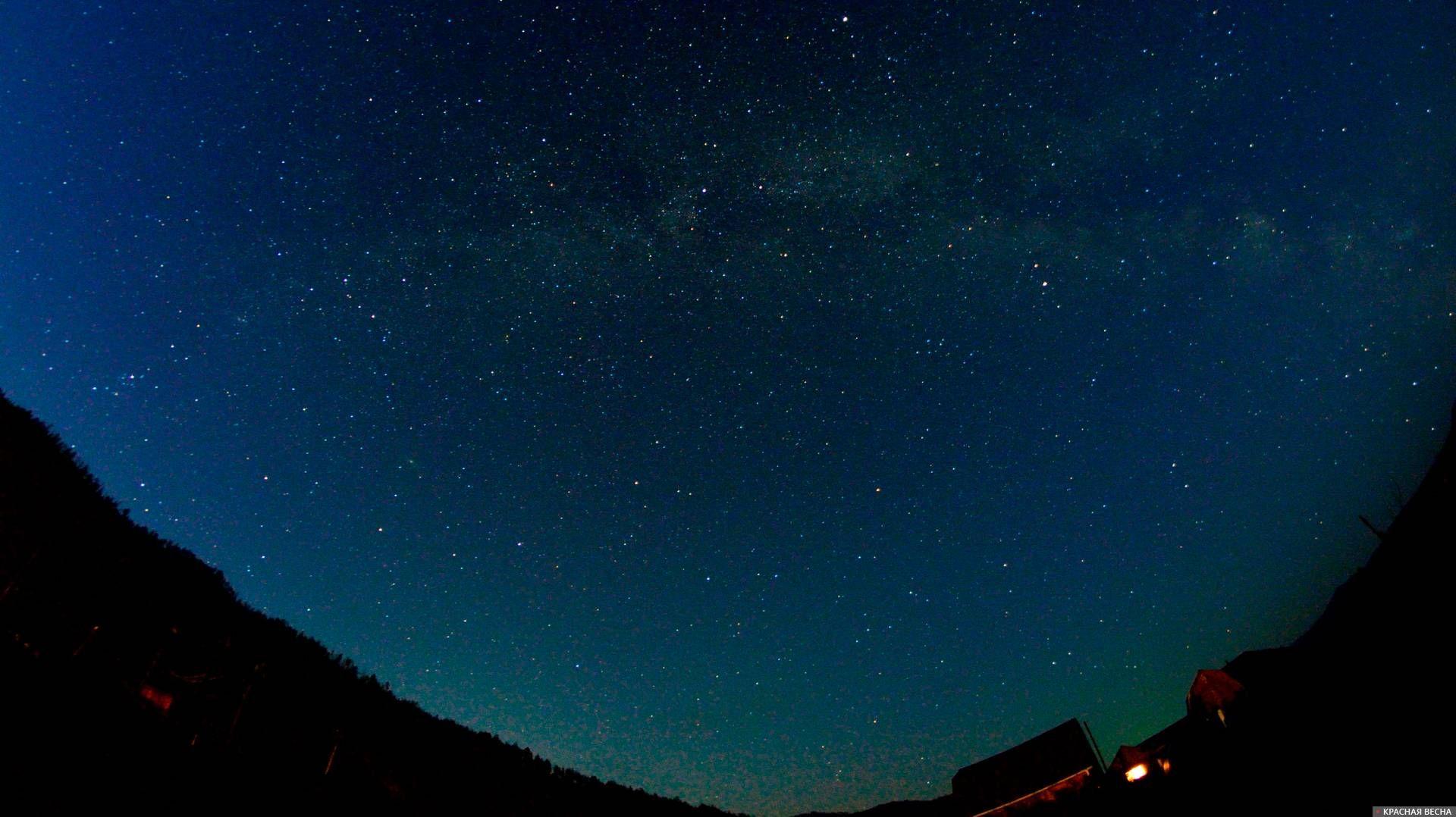 Ночное небо в деревне. Млечный путь.