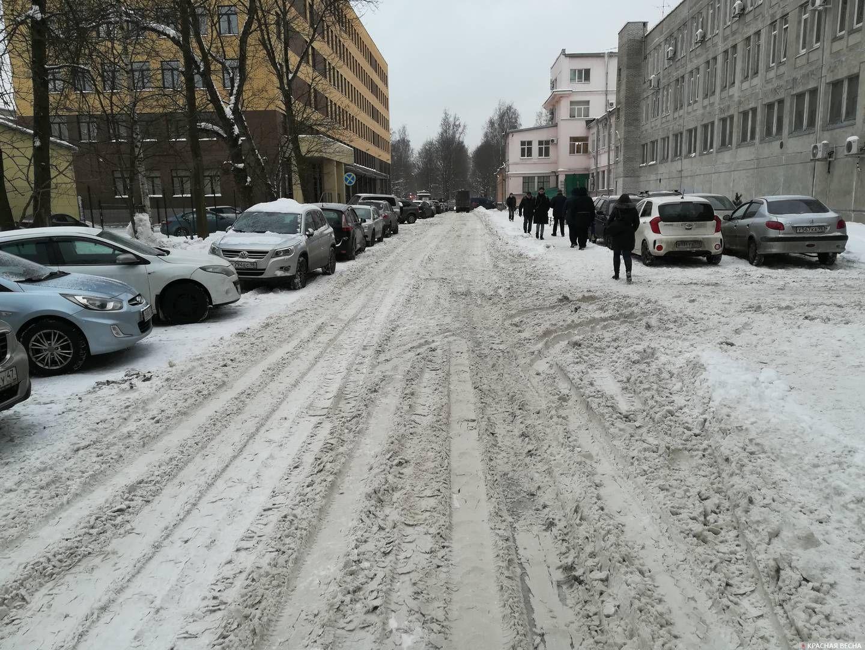Санкт-Петербург. Дорога между Гжатской улицей и Гражданским проспектом занесена снегом