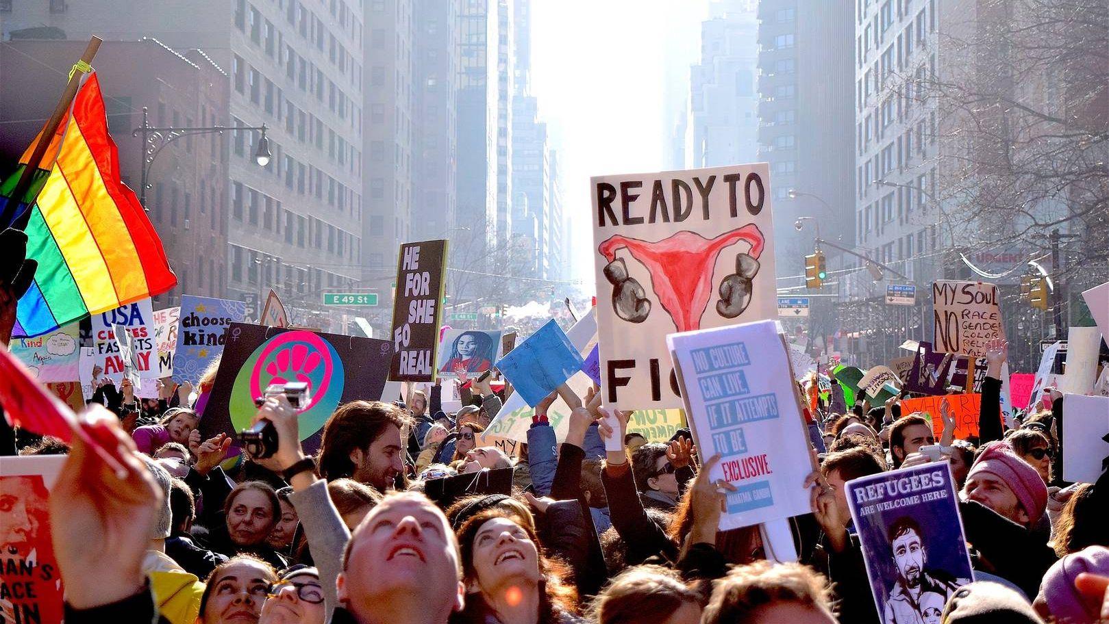 Женский марш