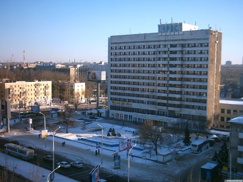 Ростов-на-Дону. Фонтан у гостиницы Турист. 2005