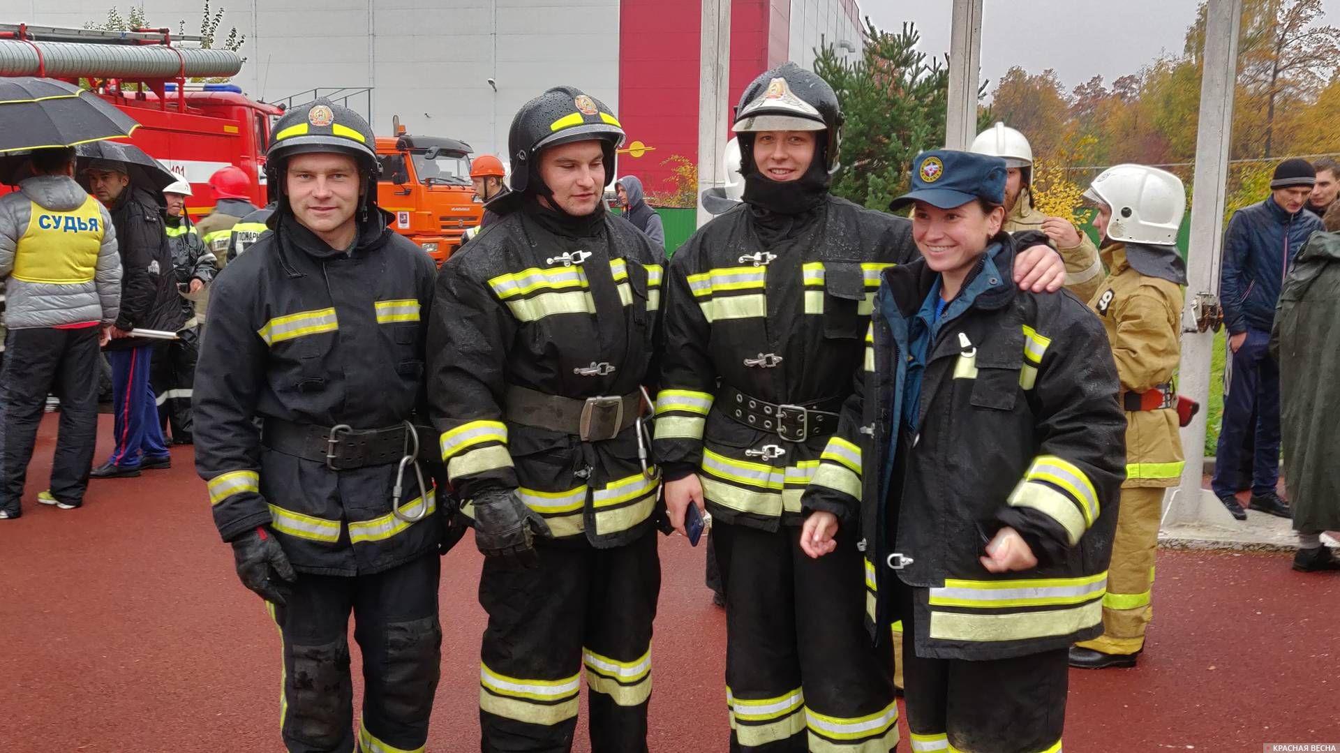 Без женщин и в пожарно-спасательном спорте никуда!