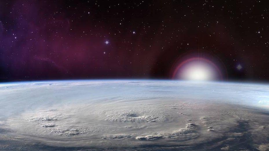 Циклон. Вид из космоса