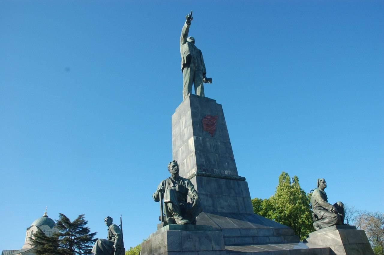 Памятник В.И. Ленину в Севастополе