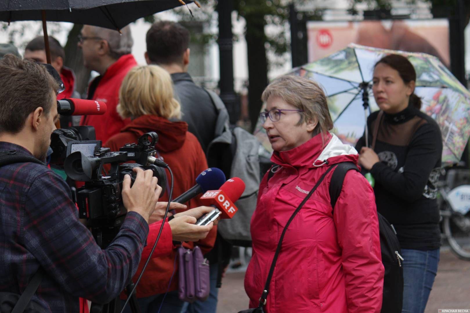 Австрийский телеканал ORF беседует с незарегистрированным кандидатом от «Яблока»