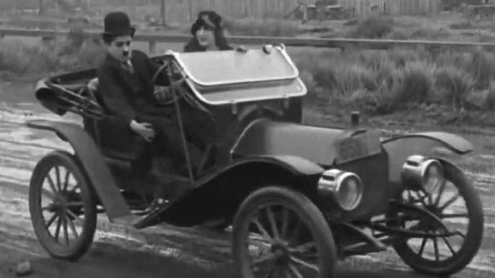 Цитата из кф Бегство в автомобиле. Чарли чаплин. (США 1915
