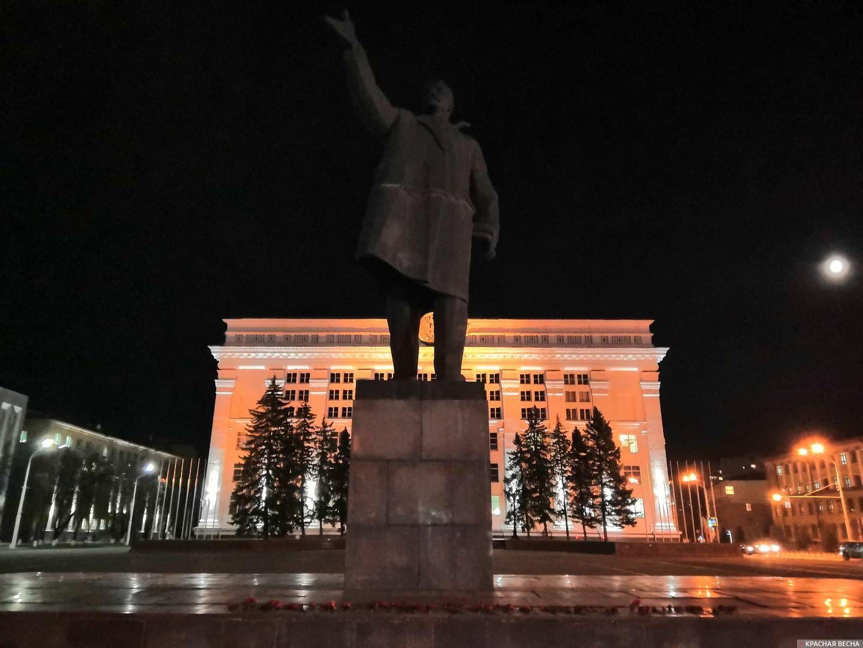 Памятник В.И. Ленину. Площадь Советов (Кемерово)