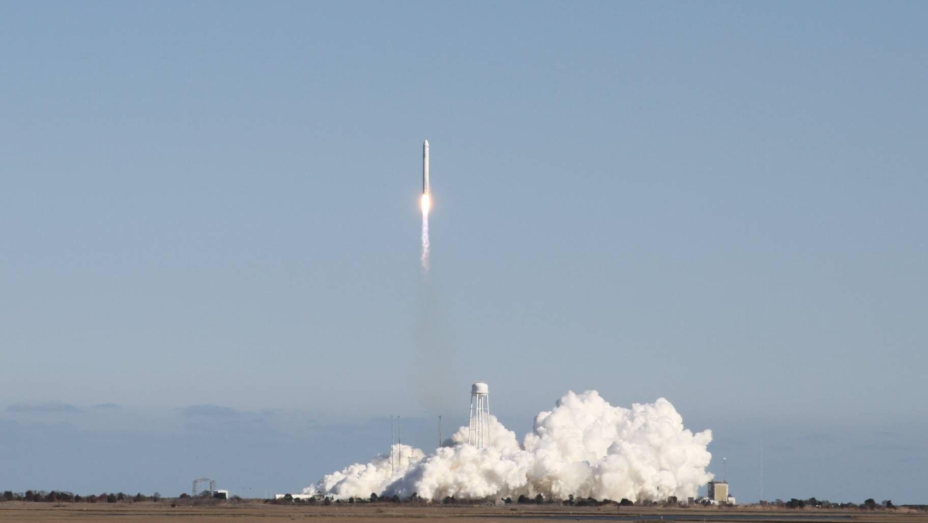 Зпуск ракеты-носителя  «Антарес»
