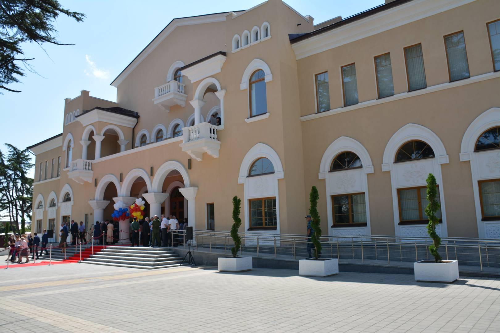 Востановленный Государственный драматический театр в Цхинвале