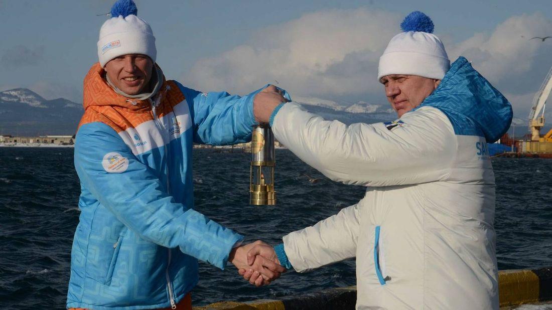 Эстафета огня международных зимних спортивных игр «Дети Азии» прибыла на Курильские острова