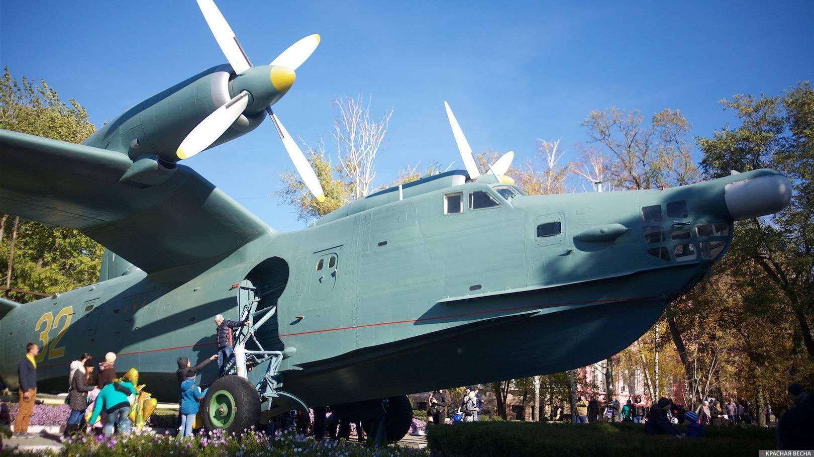 Легендарный самолет-амфибия Бе-12 разработки ОКБ Бериева