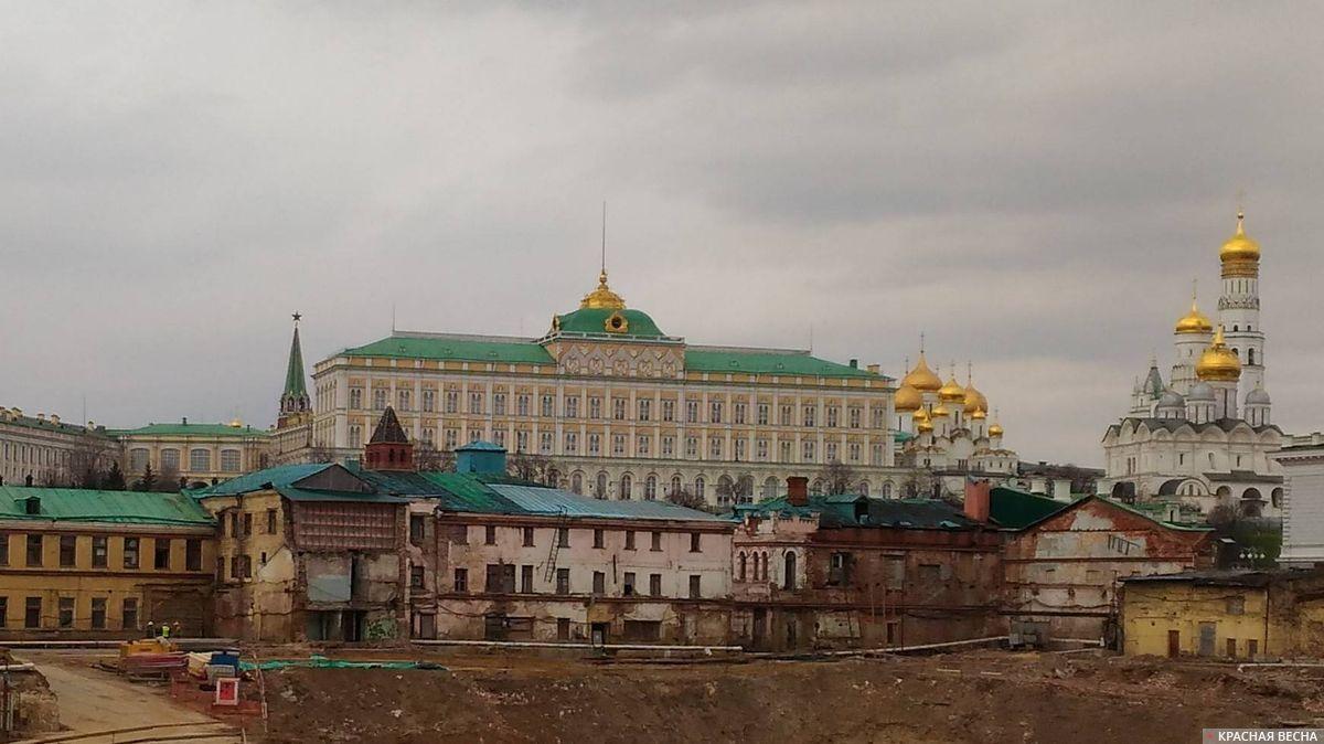 Москва, Кремль (блеск и нищета)