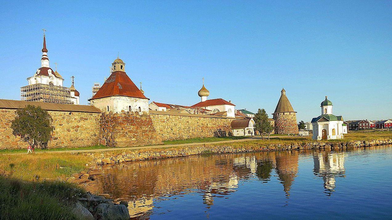Соловецкие острова. Вид на Кремль со стороны Белого моря