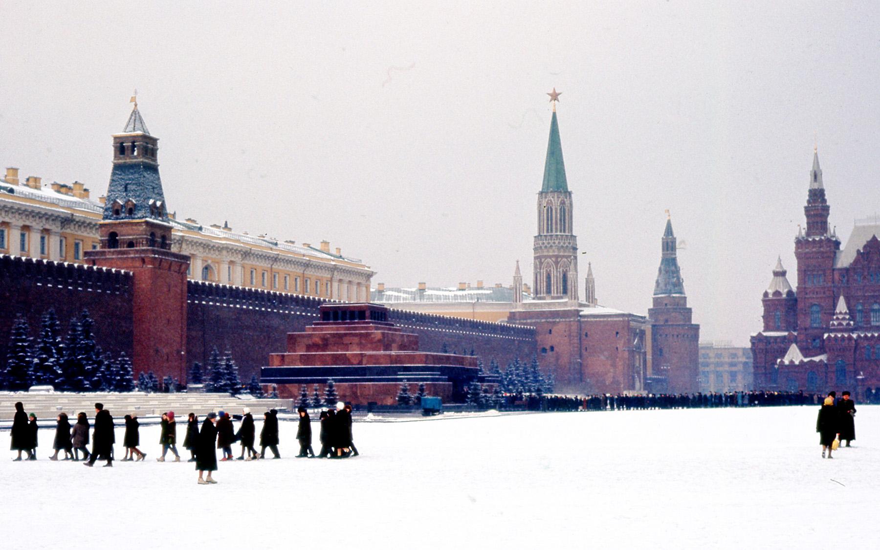Томас Хаммонд. Очередь перед Мавзолеем Ленина. Март 1964 г.