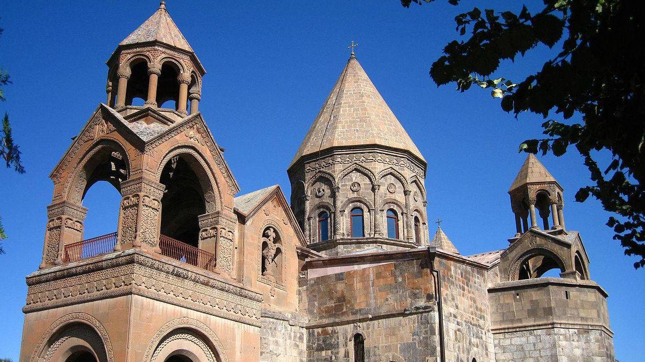 Эчмиадзинский собор местонахождение престола Верховного Патриарха Католикоса Всех Армян