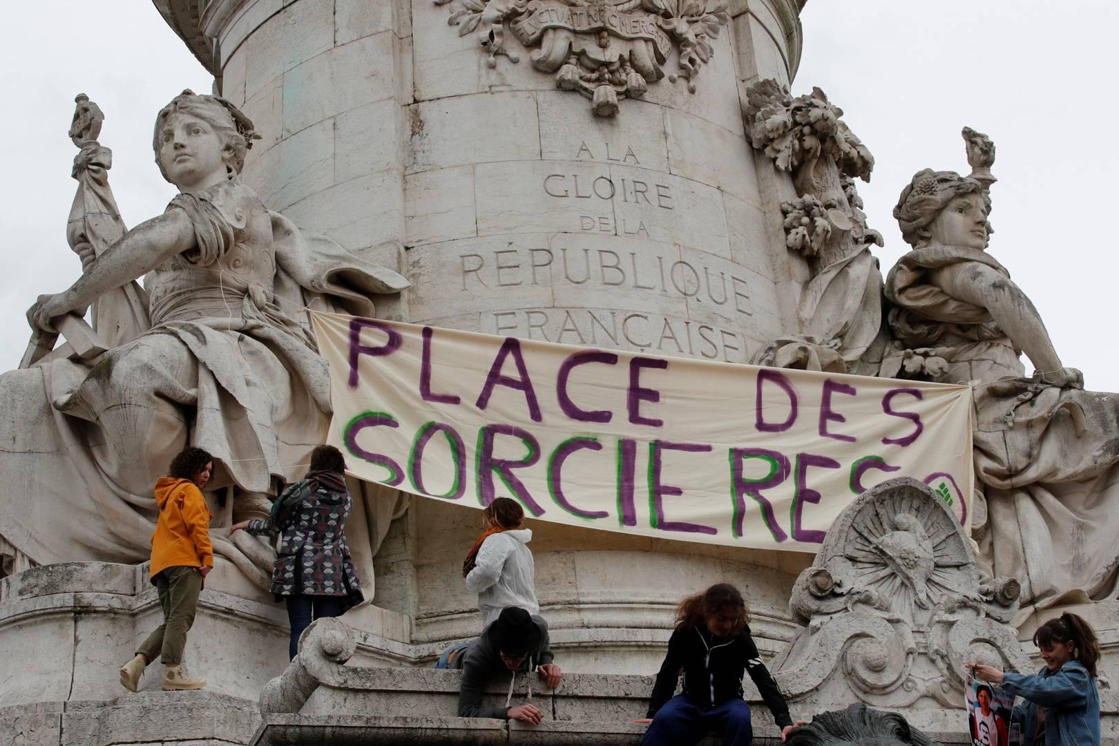 Париж, «Площадь ведьм». 8 марта 2019 г. (Фото — Филипп Войазер)