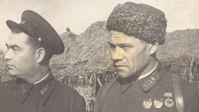 Минигали Шаймуратов (справа)
