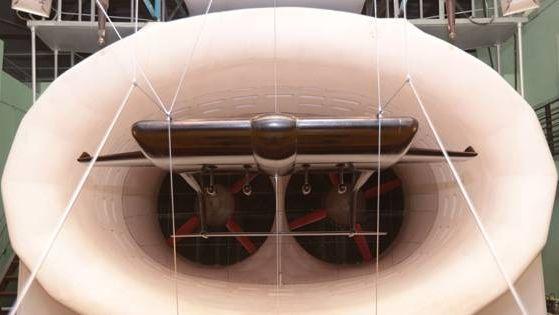 Модель экраноплана в аэродинамической трубе