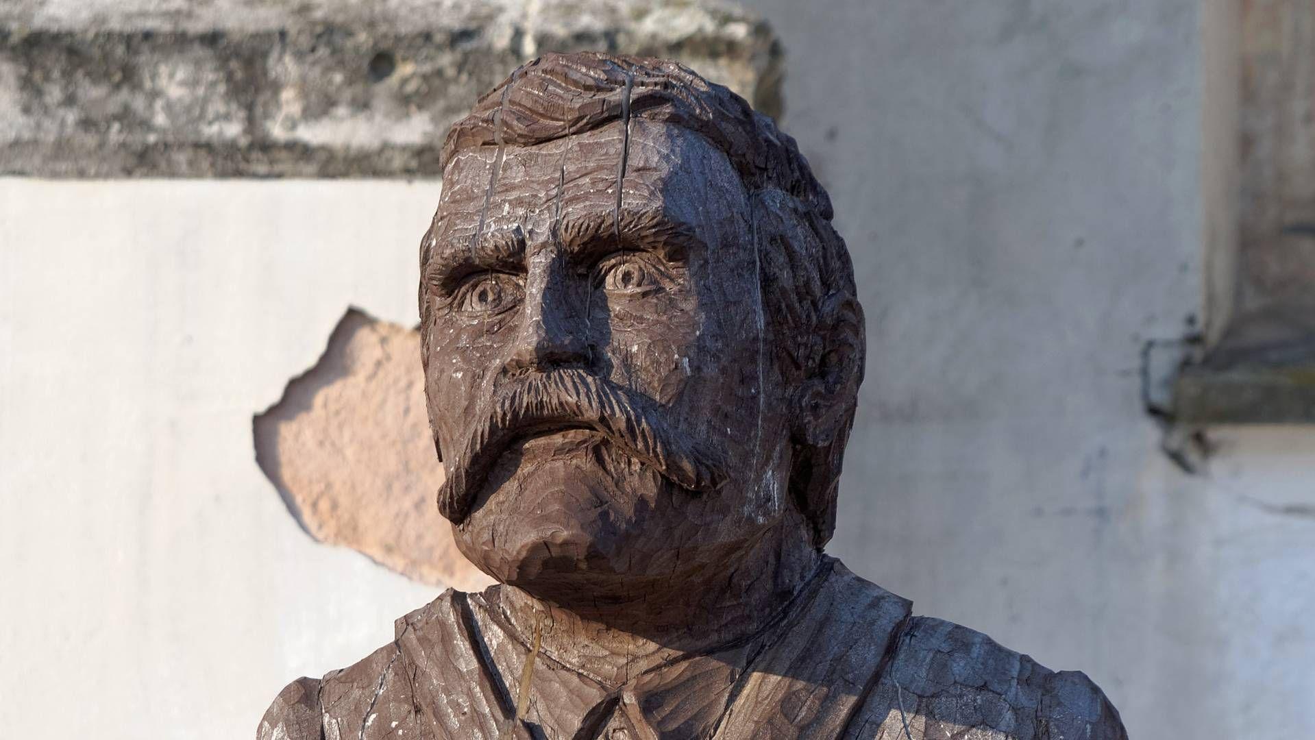 Памятник Лезу Валенсе