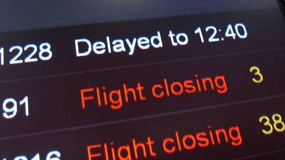 Информационное табло в аэропорте